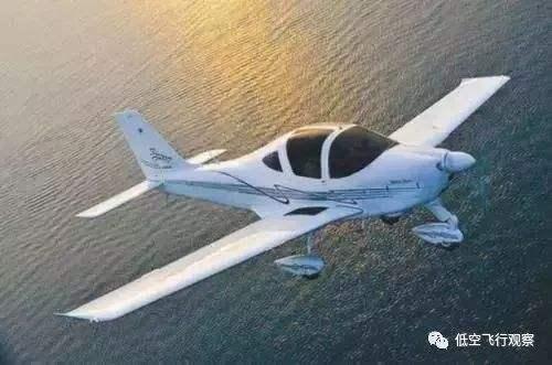 """建湖造""""AT一3通用飞机"""