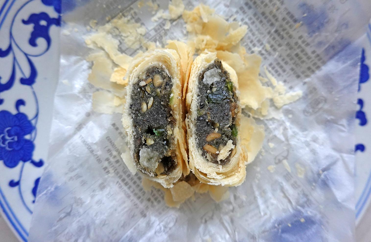 苏式月饼9--黑麻椒盐月饼ZQSDSC05878.jpg